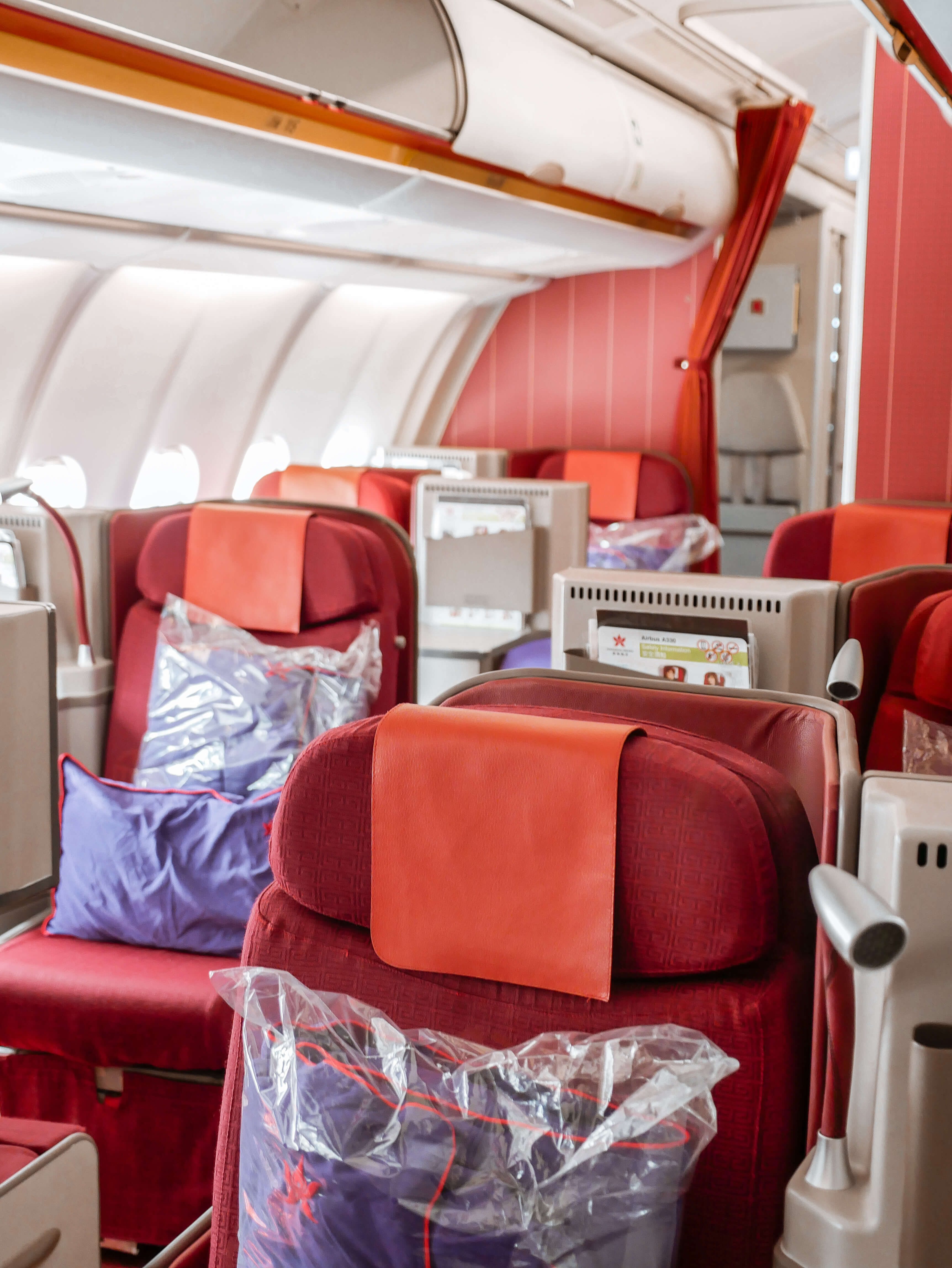 6 Tips For Travelling Long Haul + Flying Hong Kong Airlines Business Class